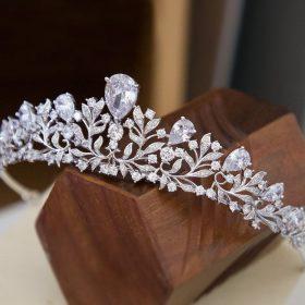Diadème serre-tête mariage champêtre garni de diamants