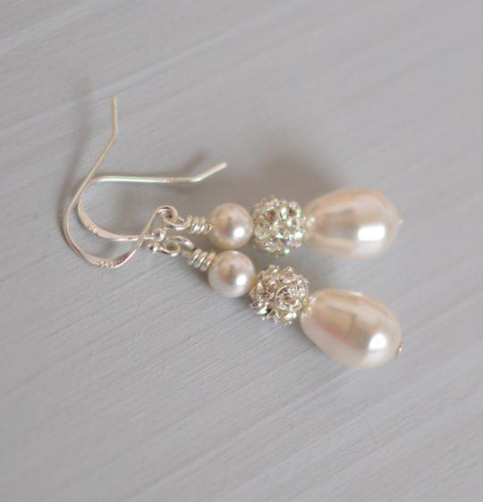 boucles oreilles perles nacrées strass
