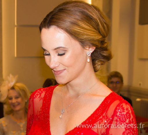 parure bijoux mariage perles cristal sur vraie mariée