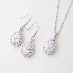boucles d'oreilles cristal mariage et collier assorti