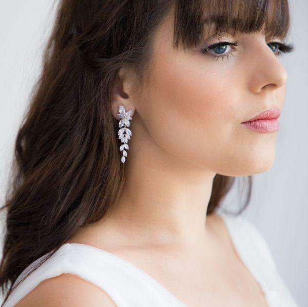 Boucles d'oreilles de mariage élégantes ornées oxydes de zirconium