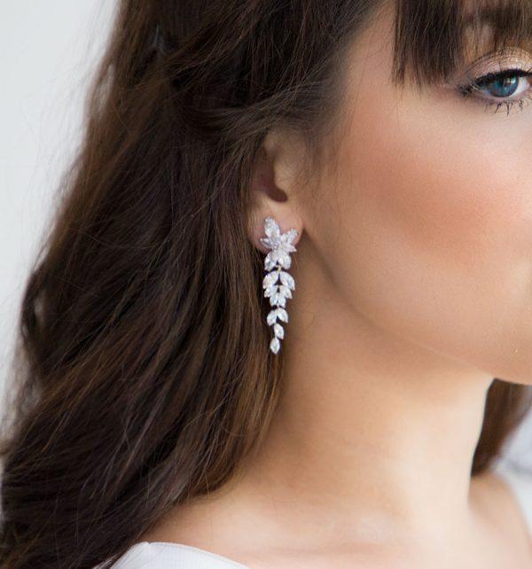 Boucles d'oreilles mariage élégantes ornées oxydes de zirconium