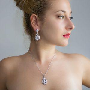 Parure bijoux cristal pour mariée boucles d'oreilles et collier