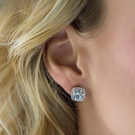 Boucles d'oreilles mariage clous carrées diamantées
