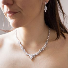parure bijoux mariage zircon portée