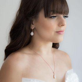 parure mariage boucles d'oreilles et collier goutte