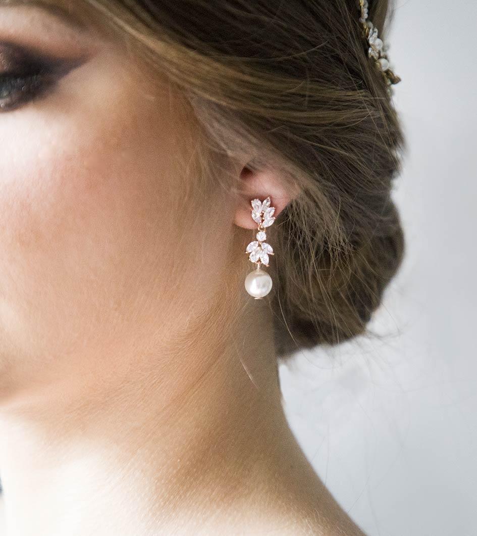 Boucles d'oreilles mariage pendantes perles Swarovski et Zircon
