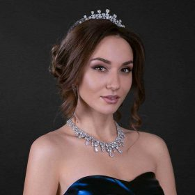 Collier-mariée-de-luxe-diamanté-Adriana