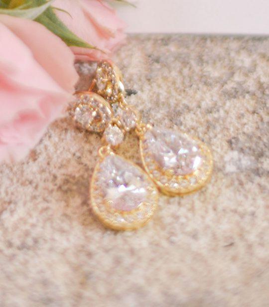 parure bijoux dorée
