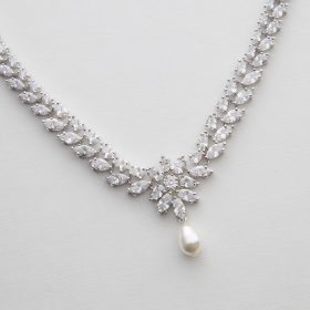 Collier pour mariée élégant diamanté perle nacré Swarovski