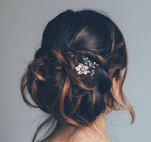 Pics coiffure mariage feuilles strass