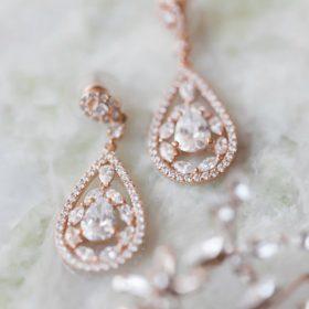Boucles d'oreilles mariée pendantes rose gold