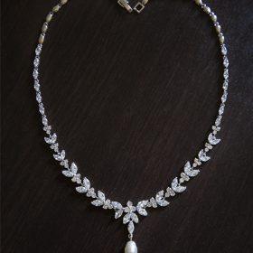 Collier mariage diamanté oxydes de zirconium perle Swarovski