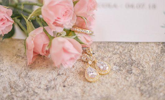 Tout ce que la future mariée doit savoir sur les différents types d'or