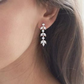 Boucles d'oreilles mariée délicates feuilles cristal Lola