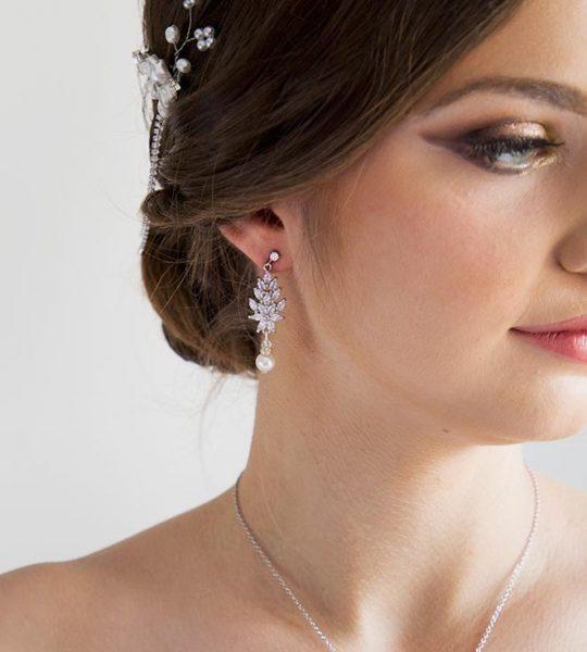 Parure de bijoux mariage création en cristal et perles Swarovski