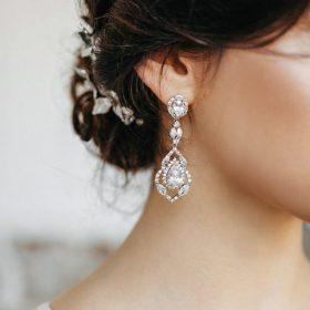 Boucles d'oreilles mariage longues romantiques en cristal Margaux