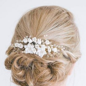 bijoux chignon mariage fleurs blanches sur peigne
