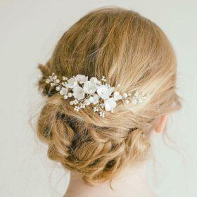 Bijoux chignon mariage perles fleurs blanches Loriane